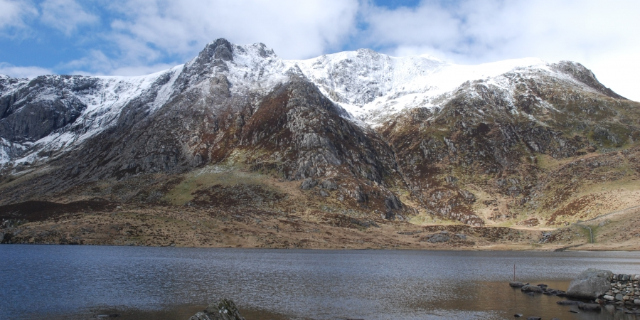 Towards Y Garn